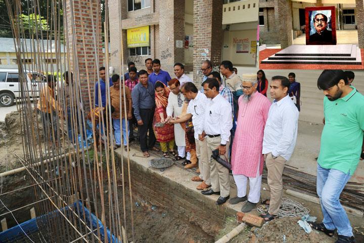 মাভাবিপ্রবিতে 'বঙ্গবন্ধু শেখ মুজিবুর রহমান' ম্যুরাল নির্মাণ কার্যক্রমের উদ্বোধন