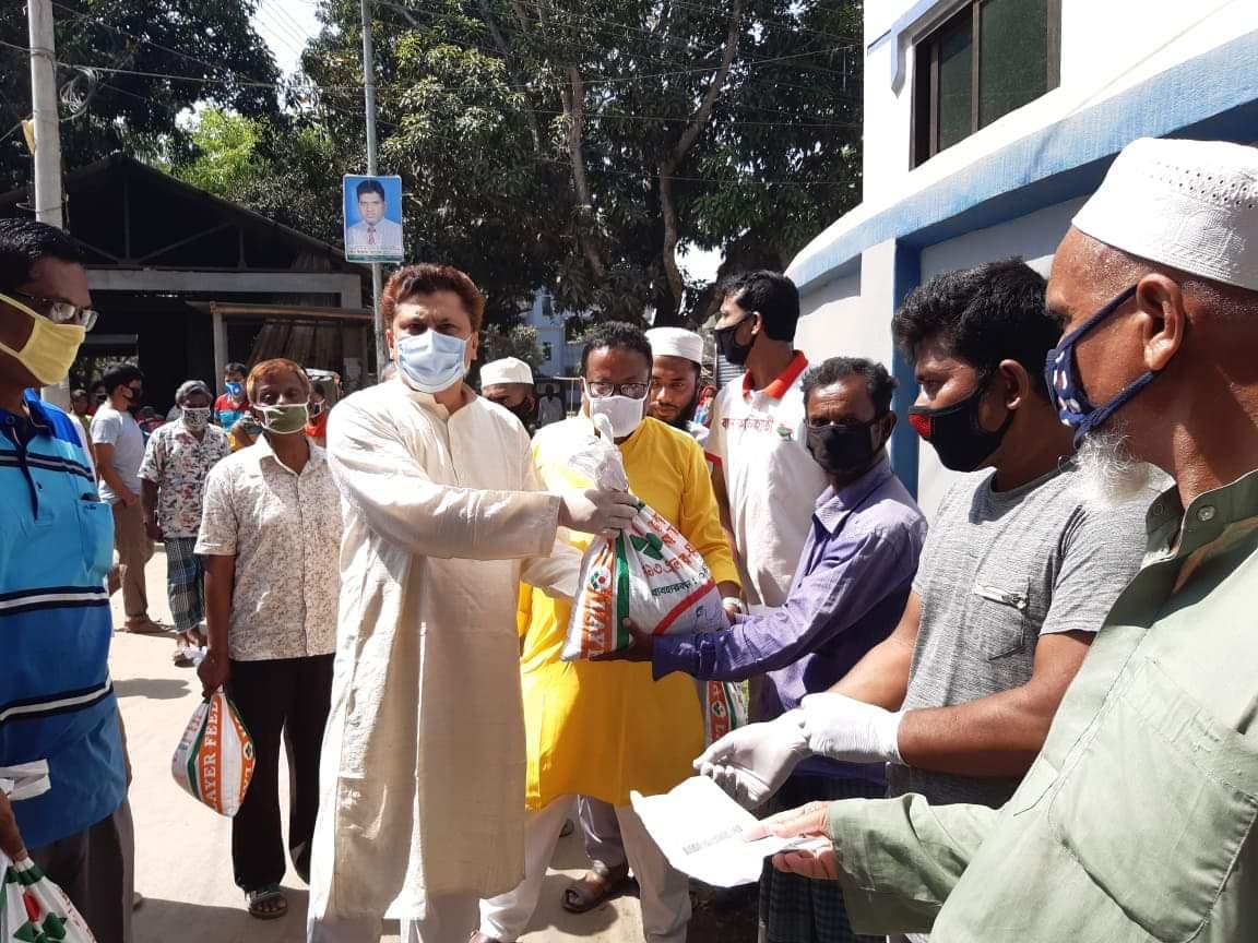 কালিহাতীতে বন্ধনের উদ্যোগে ৮ শতাধিক কর্মহীন পেলেন খাদ্যসামগ্রী