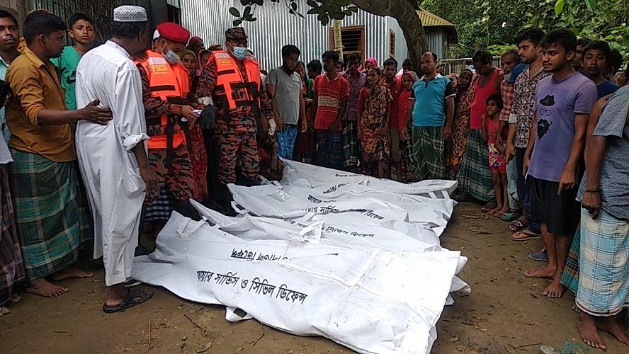 বাসাইলে নৌকাডুবি: মা-ছেলেসহ পাঁচ জনের মৃত্যু
