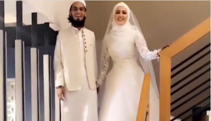 ইসলামের টানে বলিউড ছেড়েছিলেন সানা খান, এবার মাওলানাকে বিয়ে
