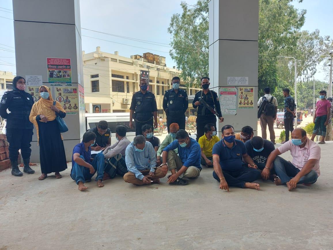 টাঙ্গাইলে দালাল চক্রের ২৭ সদস্যকে কারাদণ্ড