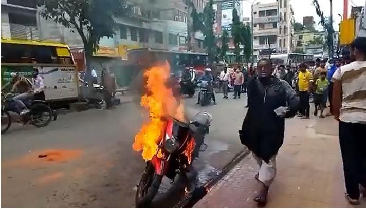 ফের মামলা, রাগে নিজের মোটরসাইকেল পুড়িয়ে প্রতিবাদ